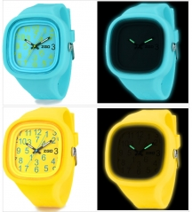 Glow in Dark Silicone Jelly Wrist Watch para o dia de Natal