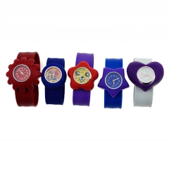 A promoção barata Multi Style Colorful carton kids watch